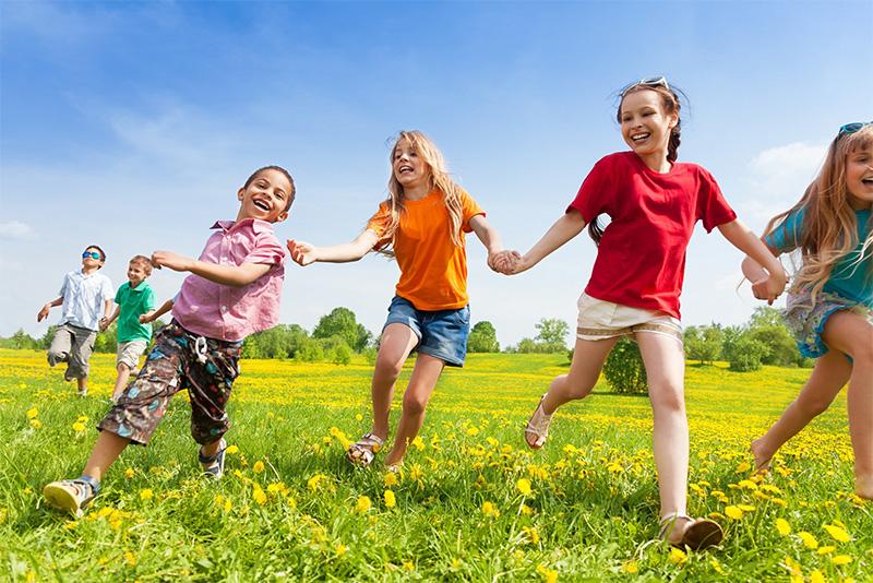 Why should growing children eat pistachios?